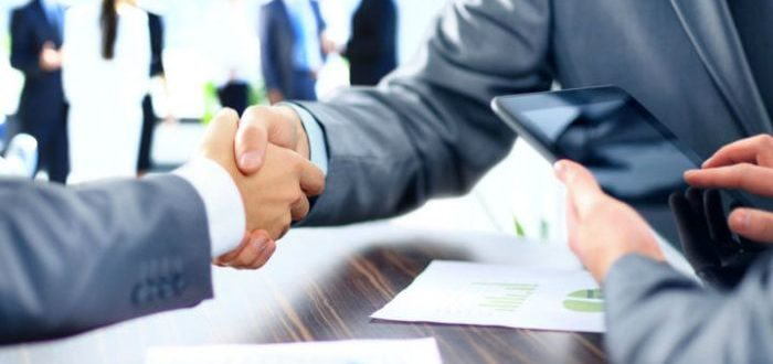 Рукопожатие бизнесменов